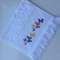 Cross Stitch Embroidery, Cross Stitch Patterns, Cross Stitch Animals, Baby Knitting Patterns, Towel, Arts And Crafts, Butterfly, Easy Cross Stitch, Cross Stitch Love