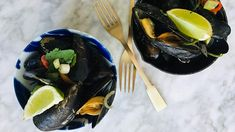 Mosselen uit de wok met knoflook, peper en zeekraal. Simpel en snel. Zoet van de oestersaus en zoutig van zeekraal. Tacos, Mexican, Fish, Ethnic Recipes, Seeds, Mexicans, Ichthys
