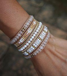 Or blanc et perlé mélangent Wrap bracelet, bracelet de Boho, bohème bracelet, bracelet de perles