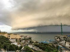 A stunning Shelf cloud/ Gust front captured this morning on it's approach to Gibraltar from across the Bay. The impending storm was accompanied by thunder, hail and some gusty winds. (photo by Ian Appleton). VMD: Cb arcus
