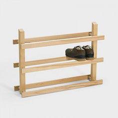 crousetij Kreativer DIY Schuhregal # kreativ If You Don't Have Enough Yard Space, Shoe Shelf Diy, Diy Shoe Storage, Storage Ideas, Diy Rack, Diy Shoe Rack, Shoe Racks, Diy Furniture Projects, Wood Projects, Diy Holz