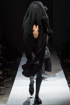 Comme des Garçons Fall 2014 Ready-to-Wear Fashion Show