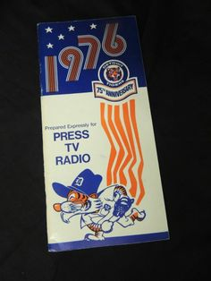 Vintage Media Book Press Guide Roster Radio Detroit Tigers 1976 MLB Baseball AL