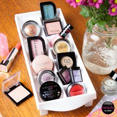 Organising your eyeshadows in an ice cube tray – too cool #SpringClean