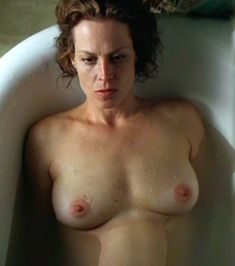 Nude pictures of Sigourney Weaver Uncensored sex scene and naked photos leaked. The Fappening Icloud hack. Carol Connors, Joanna Pettet, Linda Vaughn, Celebrities Exposed, Stars Nues, Elizabeth Montgomery, Sigourney Weaver, Aliens Movie, Training