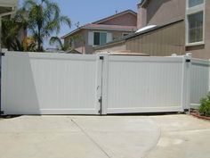 Vinyl Craft White Solid Privacy Double Drive Gate
