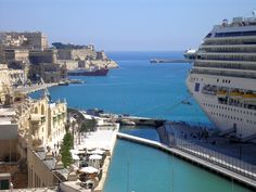 cruise ship docking at the Valletta waterfront