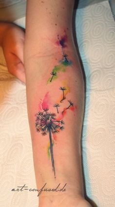 100 Watercolor Tattoos that Perfectly Replicate the Medium water color tattoo designs Tattoo Bunt, Body Art Tattoos, Sleeve Tattoos, Cat Tattoos, Watercolor Dandelion Tattoo, Dandelion Tattoo Design, Watercolor Tattoos, Dandelion Tattoos, Tattoo Ideas