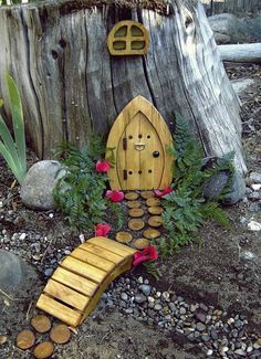 Fairy house on the tree stump in back? Fairy house on the tree stump in back? Fairy Tree Houses, Fairy Garden Houses, Fairies Garden, Fairy Gardens, Fairy Doors On Trees, Tree Garden, Miniature Gardens, Cottage Gardens, Wine Barrel Planter