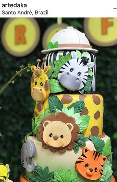 Coração cheio de gratidão pela foto e principalmente pelas palavras carinhosa. Safari Party, Jungle Safari Cake, Jungle Theme Cakes, Safari Baby Shower Cake, Safari Cakes, Jungle Party, Jungle Birthday Cakes, Safari Theme Birthday, Birthday Ideas