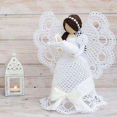 Billedresultat for attys crochet christmas angels Crochet Christmas Decorations, Christmas Crochet Patterns, Crochet Ornaments, Crochet Decoration, Holiday Crochet, Christmas Crafts, Angel Crochet Pattern Free, Crochet Angels, Crochet Flower Patterns