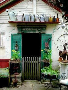 flea market gardens | Flea Market Gardening -Projects / Laura Goines' potting shed