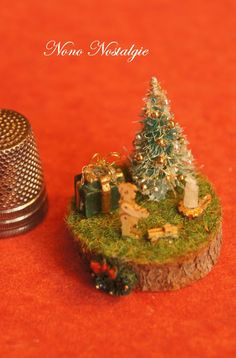 tutorial: 1/144th scale Christmas tree scene
