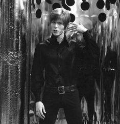 vezzipuss.tumblr.com — A Mod David Bowie, Circa 60's