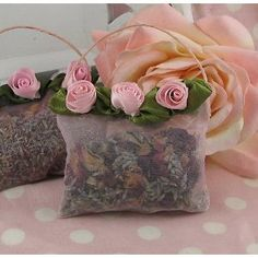Lavender & Rose Handbag Sachet~ Another Beautiful And Easy One To Make~ Lavender Crafts, Rose Crafts, Lavender Bags, Lavender Sachets, Lavender Roses, Diy And Crafts, Lavander, Pink Roses, Potpourri