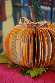 Great craft for November and also to give teachers for the classroom. Pumpkim made out of a book.  How cute is this? www.craftingourkids.com