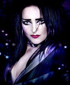 Siouxsie Sioux. Wow digging on her updated look. http://www.pinterest.com/TheHitman14/musician-female-faves/