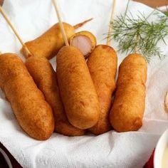 Corn dogi w stylu amerykańskim - PrzyslijPrzepis. Kitchen Time, Hot Dog, Nutella, Sweet Potato, Pear, Carrots, Food And Drink, Potatoes, Fruit