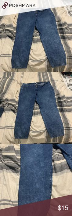 23e0cfa25db Torrid Acid wash Jeans Size 26 Reposhing Purchased but to big Excellent  used condition No stains