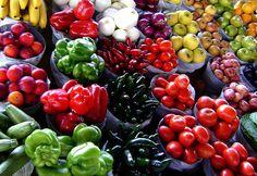 Am besten isst man viel Obst und Gemüse.    Bild Quelle: http://www.flickr.com/photos/nakrnsm/3815441846/