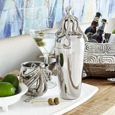 Your beloved Moscow Mule is about to get a marine makeover. Next time you're hosting a cocktail party, serve some style with our exclusive plated mug, handcrafted of stainless steel and aluminum with a whimsical sea creature on the handle.