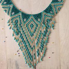 MAKY collar whit aretes y pulsera hecha a mano por artesanos