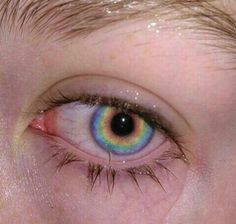 i can 100% confirm that my eyes have rainbows in them as well