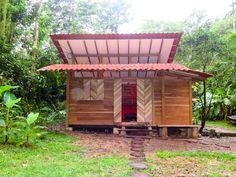 Small Wooden House, บ้านไม้ยกพื้นหลังเล็ก