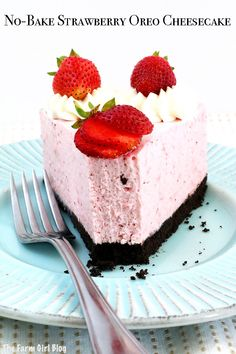 This No-Bake Strawberry Oreo Cheesecake Recipe is no baking required. Super easy to put together with minimal effort to make a wonderful attention and hand grabber. #nobakecheesecake #homegrownstrawberries #cheesecake #easycheesecakerecipe #thefarmgirlblog | thefarmgirlblog.com Strawberry Oreo Cheesecake, Oreo Cheesecake Recipes, Sweet Desserts, Delicious Desserts, Dessert Recipes, Yummy Food, Baked Strawberries, Frugal Meals, Sweet Treats