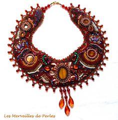 """Ce collier plastron """"Topaz"""" ou toutes ces nuances de couleurs montrent ce large choix de pierres magnifiques récoltées par des chercheurs de pierres. Vous pouvez le voir sur :  http://lesmerveillespat.canalblog.com/ http://www.alittlemarket.com/boutique/les_merveilles_de_perles-805099.html"""