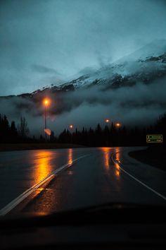 hannah kemp: Late night drives in Alaska. Nature Aesthetic, Night Aesthetic, Dark Photography, Landscape Photography, Late Night Drives, Night Vibes, Night Driving, Late Nights, Running Away