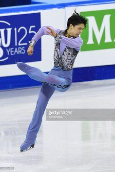 News Photo : Japanese Olympic champion Yuzuru Hanyu loses his...