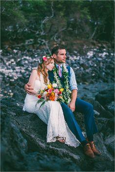 Hawaiian wedding photo ideas #photographyideas @weddingchicks