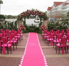 Scalloped Runner via Flickr {Beaux & Belles blog - 7 Ways to Incorporate Scalloped Edges at your Event}