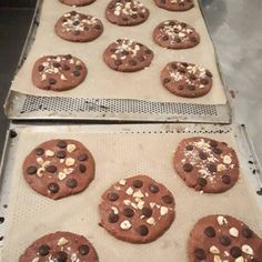 Cookies in the making vegan glutenfree cookies chocolatechip Gluten Free Cookies, Kakao, Glutenfree, Muffin, Vegan, Chocolate, Breakfast, Desserts, Food