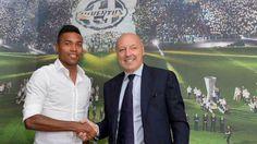 Alex Sandro es nuevo jugador de la Juventus - Oficial. El lateral izquierdo brasileño, Alex Sandro, es nuevo jugador de la Juventus luego de firmar un contrato por cinco temporadas percibiendo ce...