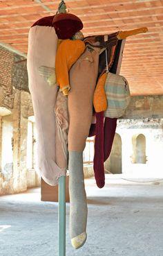 contemporary locus 8 Berlinde De Bruyckere Z. T., 2003  legno, coperte, lana  Collezione AGI Verona ph Mario Albergati