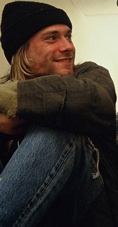 «s͙t͙a͙r͙d͙u͙s͙t͙ d͙a͙n͙c͙e͙s͙ i͙n͙ y͙o͙u͙r͙ s͙o͙u͙l͙» Kurt Cobain
