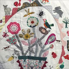 compilation of very talented Margaret Sampson George student's work Appliqué Quilts, Mini Quilts, Applique Patterns, Quilt Patterns, Quilting Projects, Quilting Designs, Basket Quilt, English Paper Piecing, Crewel Embroidery