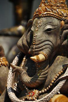 Hindu elephant deity Ganesha, the overcomer of obstacles Arte Ganesha, Sri Ganesh, Lord Ganesha, Shiva, Krishna, Hindus, Statues, Hindu Deities, Hindu Art