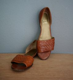 Vintage Leather Woven G.H. BASS Slip on Sandals by heightofvintage