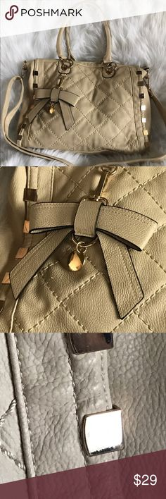*NEW LISTING* Ivory Tote bag style purse Large enough to carry a laptop and school books has some makeup spots inside see pics but overall in amazing condition Bags Totes