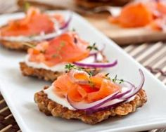 flour 200 g sour cream 200 g smoked salmon pepper (option New Years Appetizers, Meat Appetizers, Tapas, Snack Recipes, Cooking Recipes, Snacks Für Party, Russian Recipes, Smoked Salmon, Low Calorie Recipes