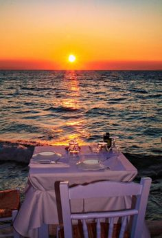 Perfect setting for dinner in Mykonos island ~ Greece