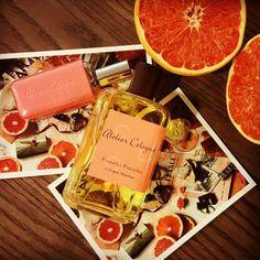 """""""누구나 한번쯤 꿈꾸는 운명같은 사랑... #아틀리에코롱 #포멜로파라디 #ateliercologne #atelier_cologne #pomeloparadis #자몽 #포멜로 #citrus #시트러스 #pink #leather #engaving #향수"""" Photo taken by @laurajieunxim on Instagram, pinned via the InstaPin iOS App! http://www.instapinapp.com (03/05/2015)"""