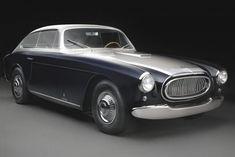 Koncepció autók – magyarul kissé esetlenül hangzik, mert hazai autógyártásunk nincsen és a buszgyártás sem egy vivőágazat. Chrysler Hemi, Lifestyle Club, Car Cost, Women Seeking Men, American Sports, Exotic Cars, Bugatti, Concept Cars, Classic Cars