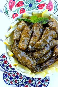 I was invited to my friend Asmahan's for dinner the other night, and she made these amazing stuffed grape leaves. I called her today for the recipe, she was Lebanese Cuisine, Lebanese Recipes, Greek Recipes, Indian Food Recipes, Vegetarian Recipes, Cooking Recipes, Arabic Recipes, Rice Recipes, Cooking Tips