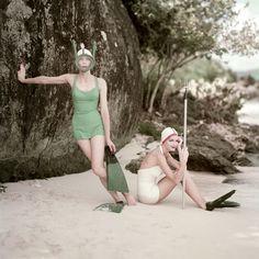 Moda de Banho Vintage: Antigas Fotos de VOGUE na Praia na Lifestyle analógico em Magazine - Lomography
