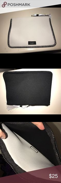 Black and White Victoria Secret Hand Bag Black and White Victoria Secret Hand Bag!🖤 very cute easy to store any phone, money or lipstick! Never been used! Victoria's Secret Bags Mini Bags - hand purse, brighton purses, discount leather handbags *sponsored https://www.pinterest.com/purses_handbags/ https://www.pinterest.com/explore/hand-bags/ https://www.pinterest.com/purses_handbags/womens-purses/ http://www.ebags.com/department/handbags - female purses, fiorelli handbags, purse shop *ad