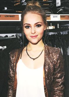 AnnaSophia Robb---she is so pretty, definitely want to replicate hair color, hair style, and makeup!